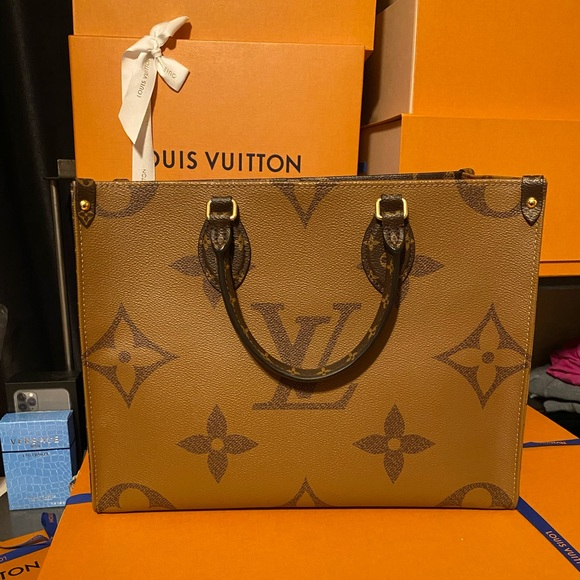 Louis Vuitton Handbags - Louis Vuitton OnTheGo Tote MM